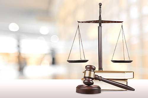 相手が弁護士をつけている場合、こちらも弁護士をつけるべき?
