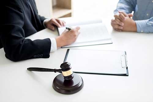 熟年離婚のポイントその8~離婚専門弁護士に相談する