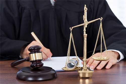 強制わいせつ罪で逮捕された場合の手続きの流れ