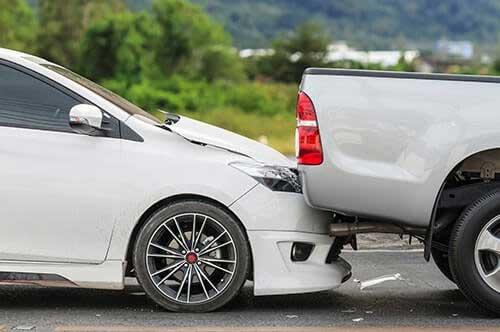 追突事故でむちうちとなった場合の対処方法と流れ