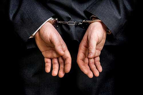 窃盗罪で身柄拘束される場合の流れは?